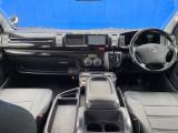 ブラックウッドインテリア&ブラクレザー調シートカバーで高級感を演出!!