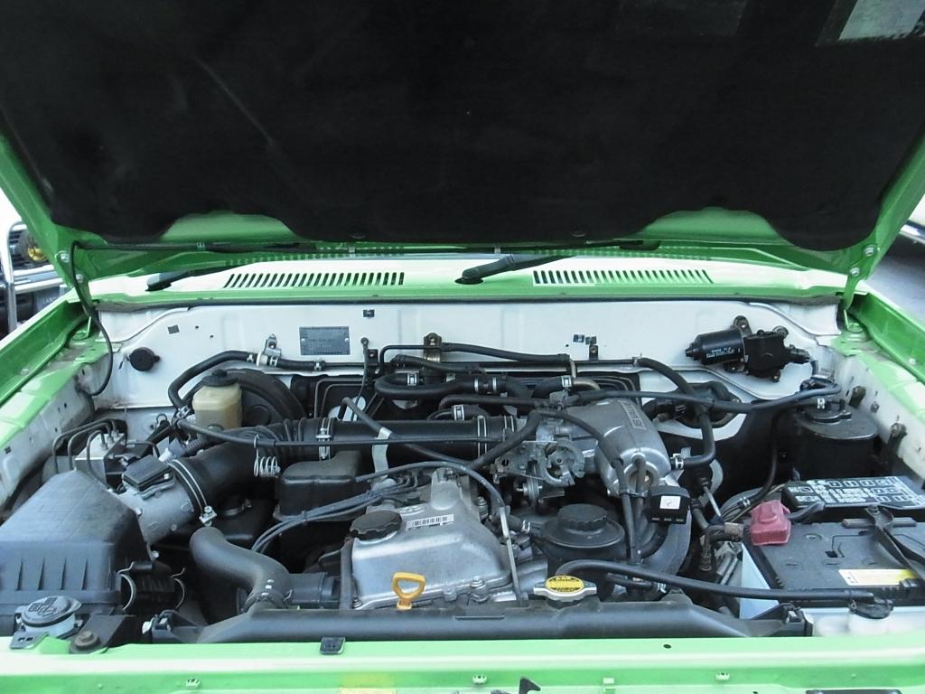 エンジンルームもきれいな状態が保たれています! | トヨタ ランドクルーザープラド 2.7 TX リミテッド 4WD COLORBOMB グリーン