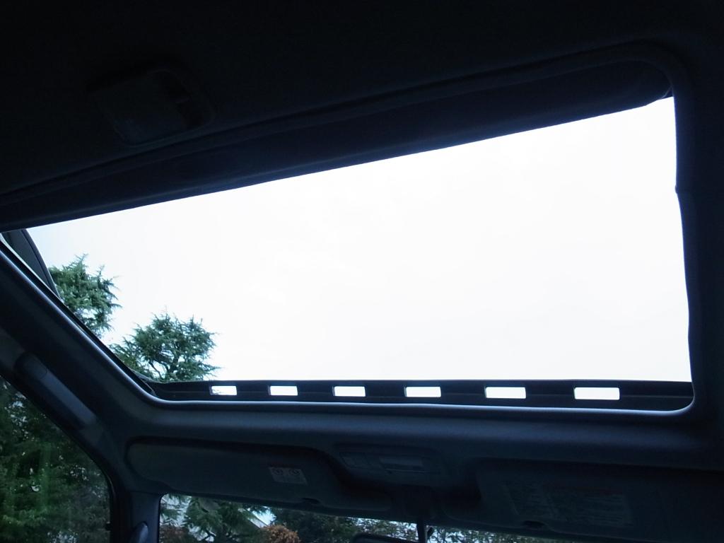 サンルーフも装備! | トヨタ ランドクルーザープラド 2.7 TX リミテッド 4WD COLORBOMB グリーン