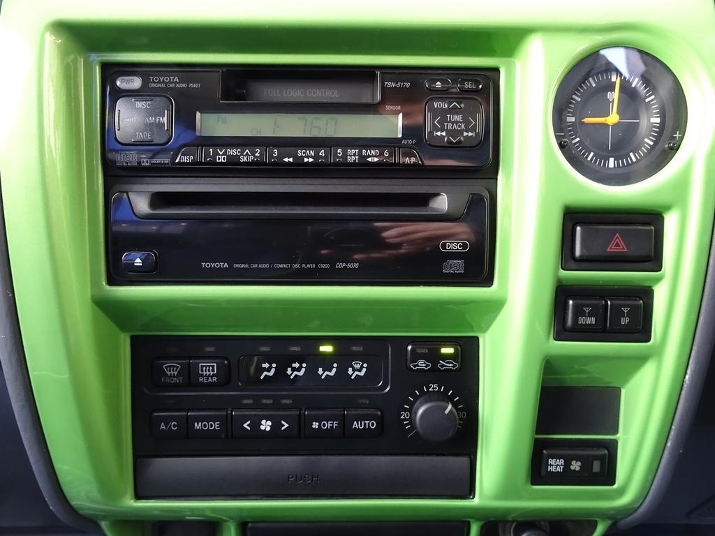 インパネパネルボディ同色です!! | トヨタ ランドクルーザープラド 3.0 TX ディーゼルターボ 4WD