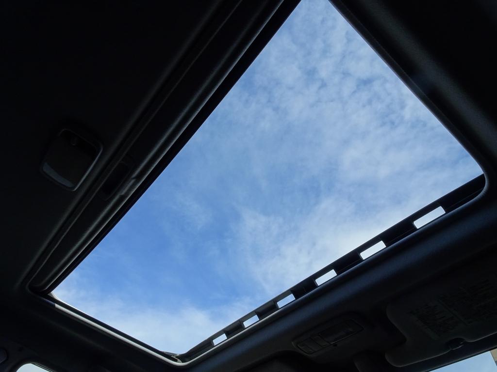 サンルーフ付きで快適です!! | トヨタ ランドクルーザープラド 3.0 TX ディーゼルターボ 4WD