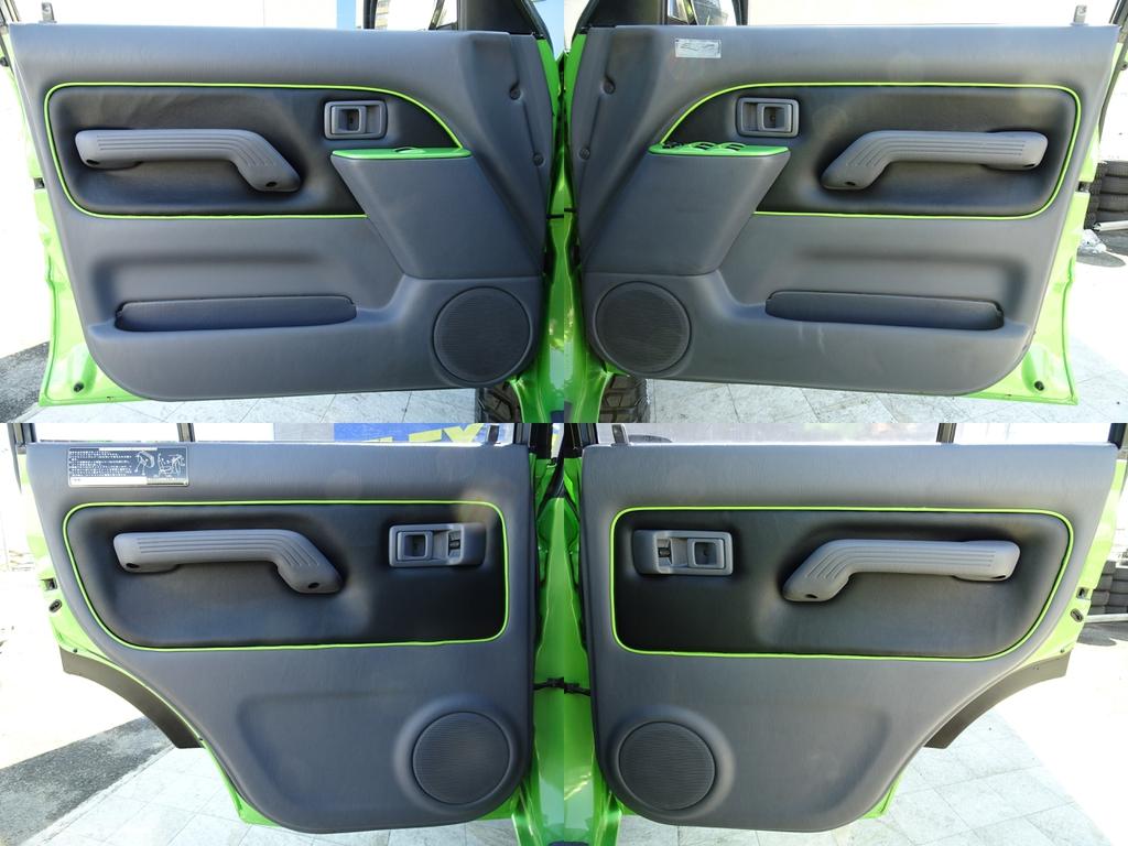 ドアインナーもカラーBOM専用装備です!! | トヨタ ランドクルーザープラド 3.0 TX ディーゼルターボ 4WD