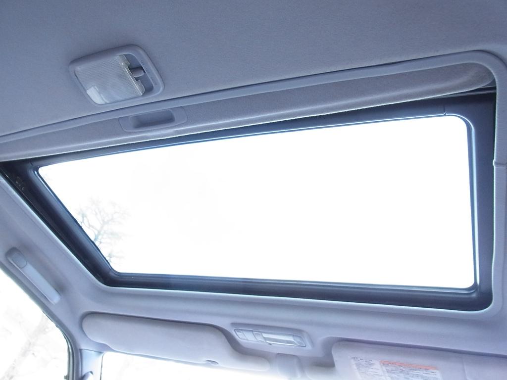 サンルーフも装備 | トヨタ ランドクルーザープラド 2.7 TX リミテッド 4WD COLORBOMB パープル