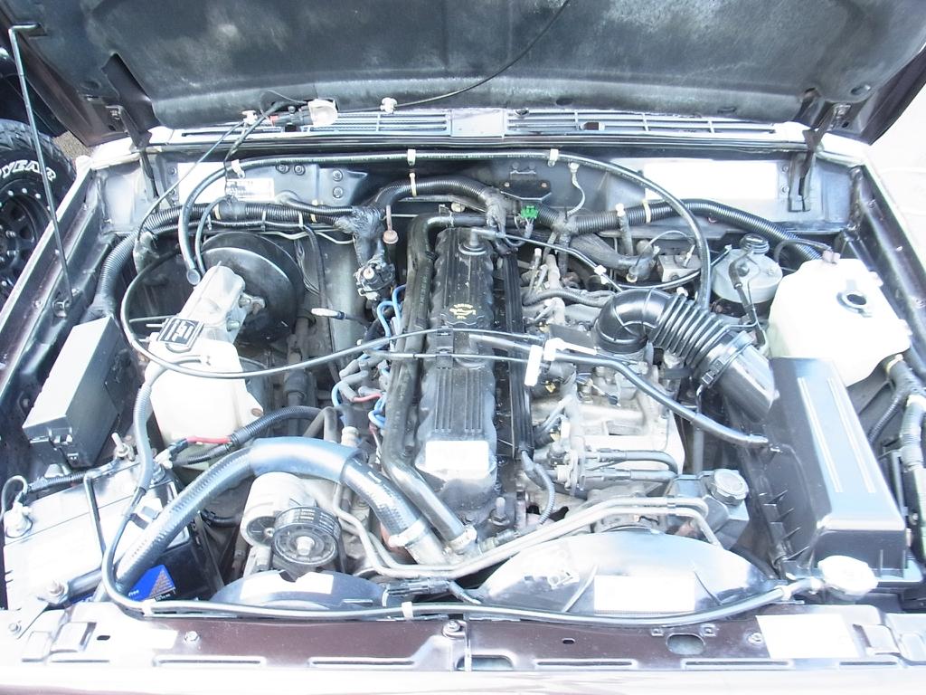 タフネスなプラドのエンジン!まだまだ走りますよ! | トヨタ ランドクルーザープラド 2.7 TX リミテッド 4WD COLORBOMB パープル