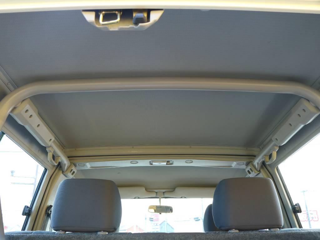 天張りも目立つ汚れなど無く綺麗な状態です♪ | トヨタ ランドクルーザー70 4.2 ZX ディーゼル 4WD 低走行74 フェンダーミラー ブラV