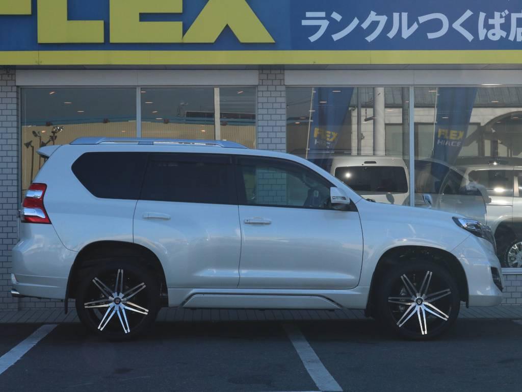 フレックスは全国共有在庫ですので専門知識でお客様にぴったりな1台をご提案致します!つくば店へのご来店お待ちしております!   トヨタ ランドクルーザープラド 2.7 TX Lパッケージ 4WD 新車未登録 モデリスタエアロ