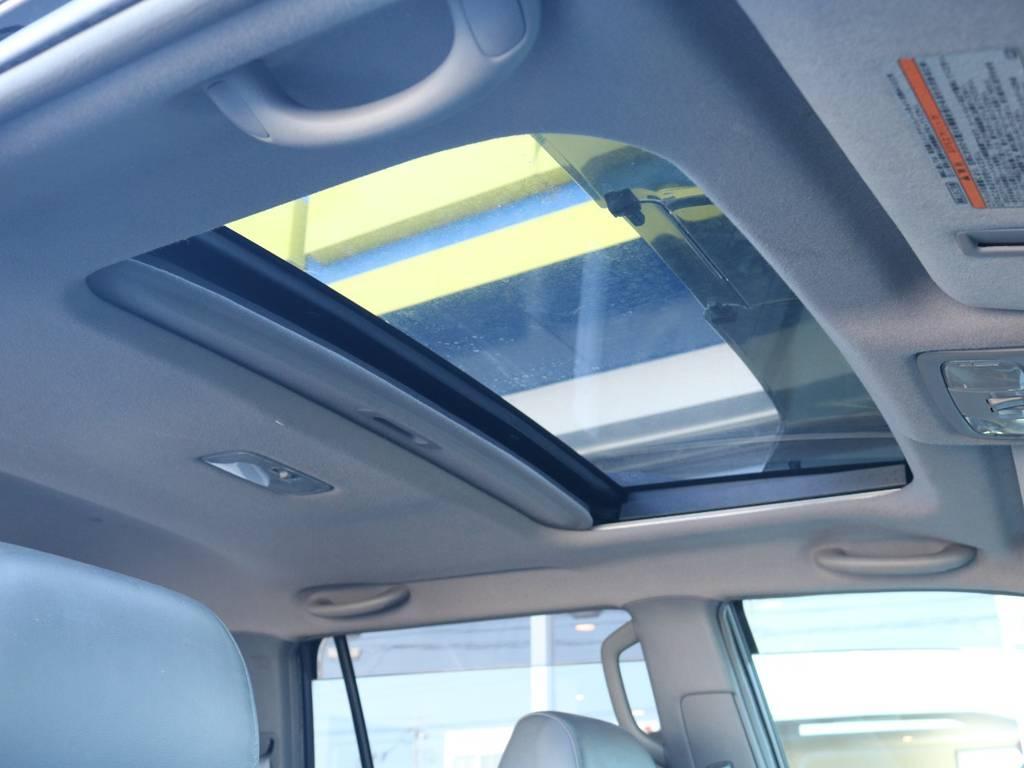 メーカーオプション人気ナンバー1のサンルーフ付き!室内を明るく照らしてくれます!   トヨタ ランドクルーザープラド 3.0 TX リミテッド 60thスペシャルエディション ディーゼルターボ 4WD