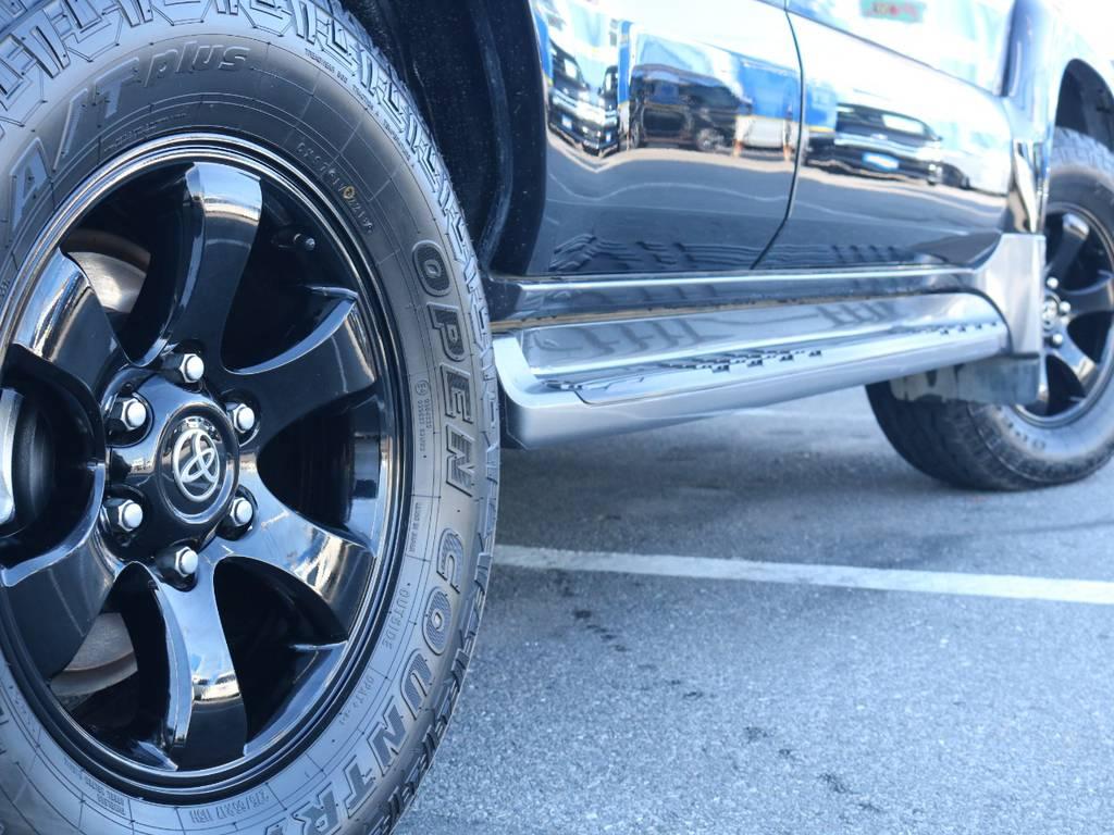 ブラックホイールにオープンカントリーATも装着済み!   トヨタ ランドクルーザープラド 3.0 TX リミテッド 60thスペシャルエディション ディーゼルターボ 4WD