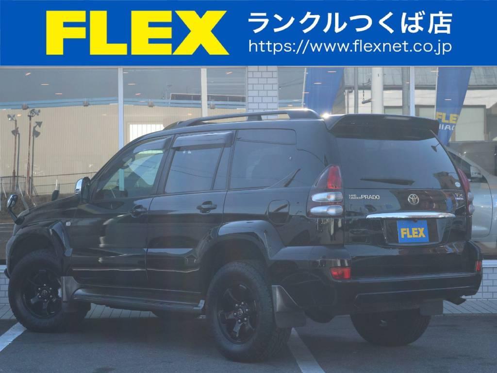 黒で統一されたおしゃれなカスタム!外装に大きなキズや凹みも見当たらずグッドコンディション!   トヨタ ランドクルーザープラド 3.0 TX リミテッド 60thスペシャルエディション ディーゼルターボ 4WD