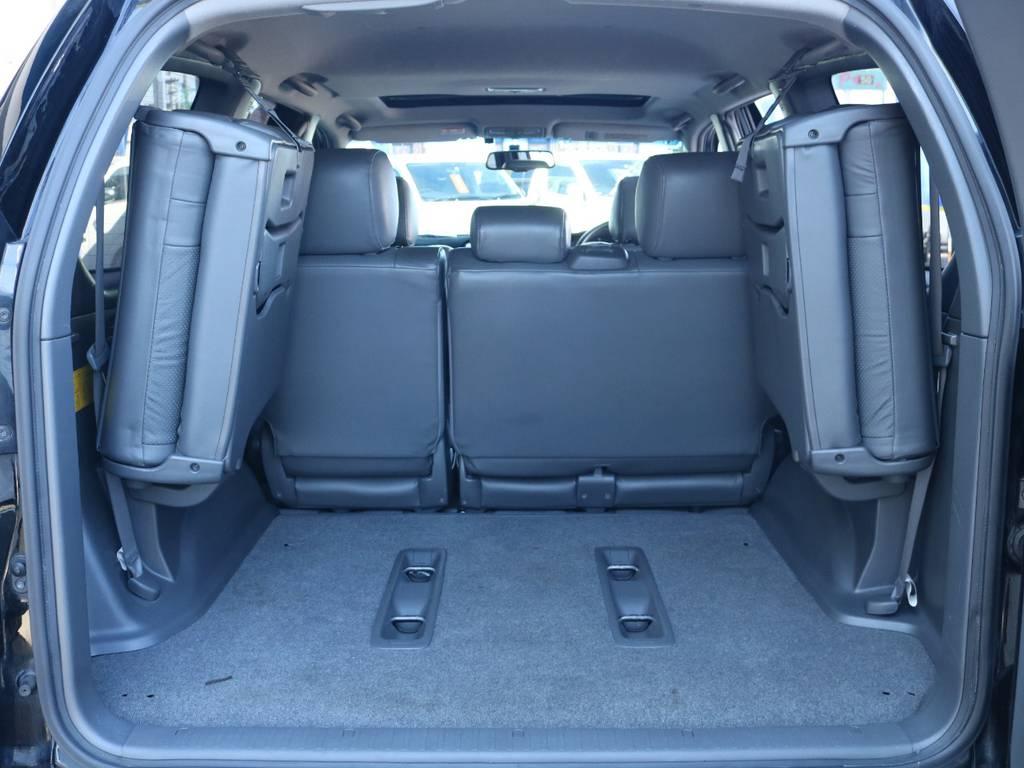 広々したラゲッジルーム!大容量でキャンプ用品なども沢山収容できます!   トヨタ ランドクルーザープラド 3.0 TX リミテッド 60thスペシャルエディション ディーゼルターボ 4WD