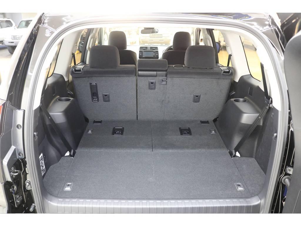 ラゲッジルームは広々と荷物が沢山積めます♪ | トヨタ ランドクルーザープラド 2.8 TX ディーゼルターボ 4WD 新車未登録 7人乗り