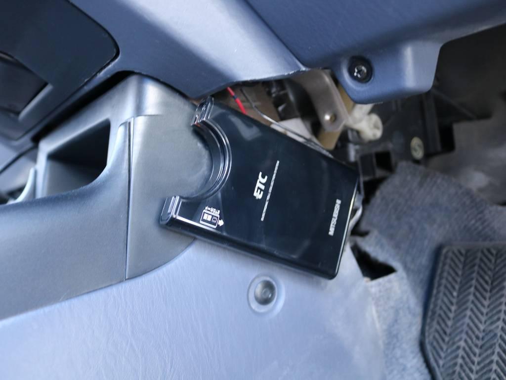 必需品のETCも装着済み! | トヨタ ランドクルーザープラド 2.7 TX 4WD 丸目 ナロー