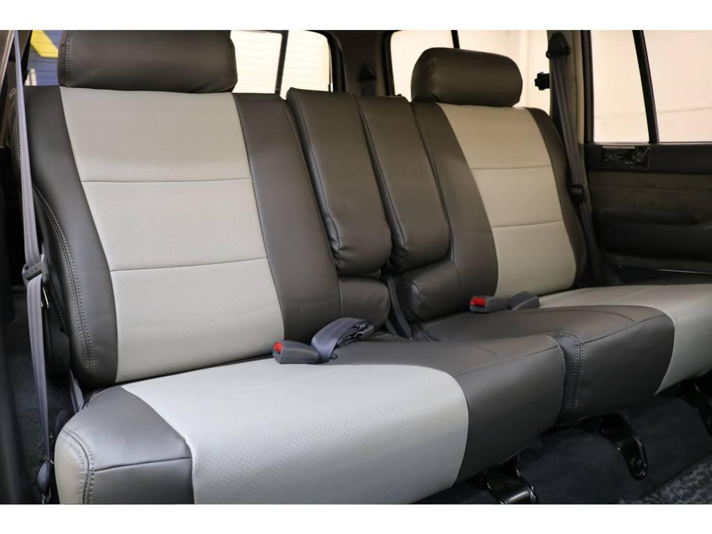 後部座席になります☆ | トヨタ ランドクルーザー80 4.5 VXリミテッド 4WD