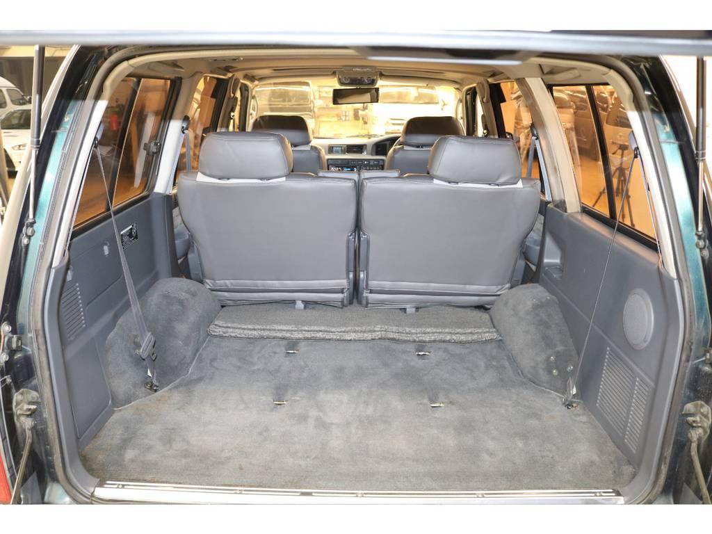 ラゲッジルームは広々と荷物が沢山積めます♪ | トヨタ ランドクルーザー80 4.5 VXリミテッド 4WD