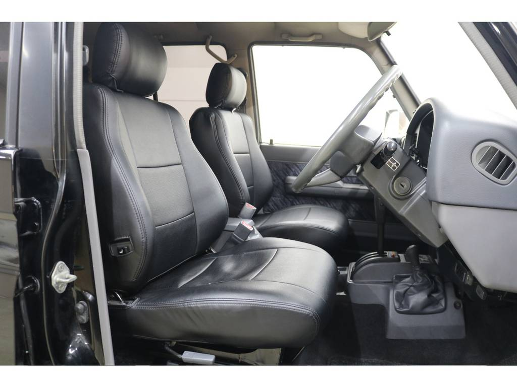 社外シートカバー☆   トヨタ ランドクルーザープラド 3.0 SXワイド ディーゼルターボ 4WD
