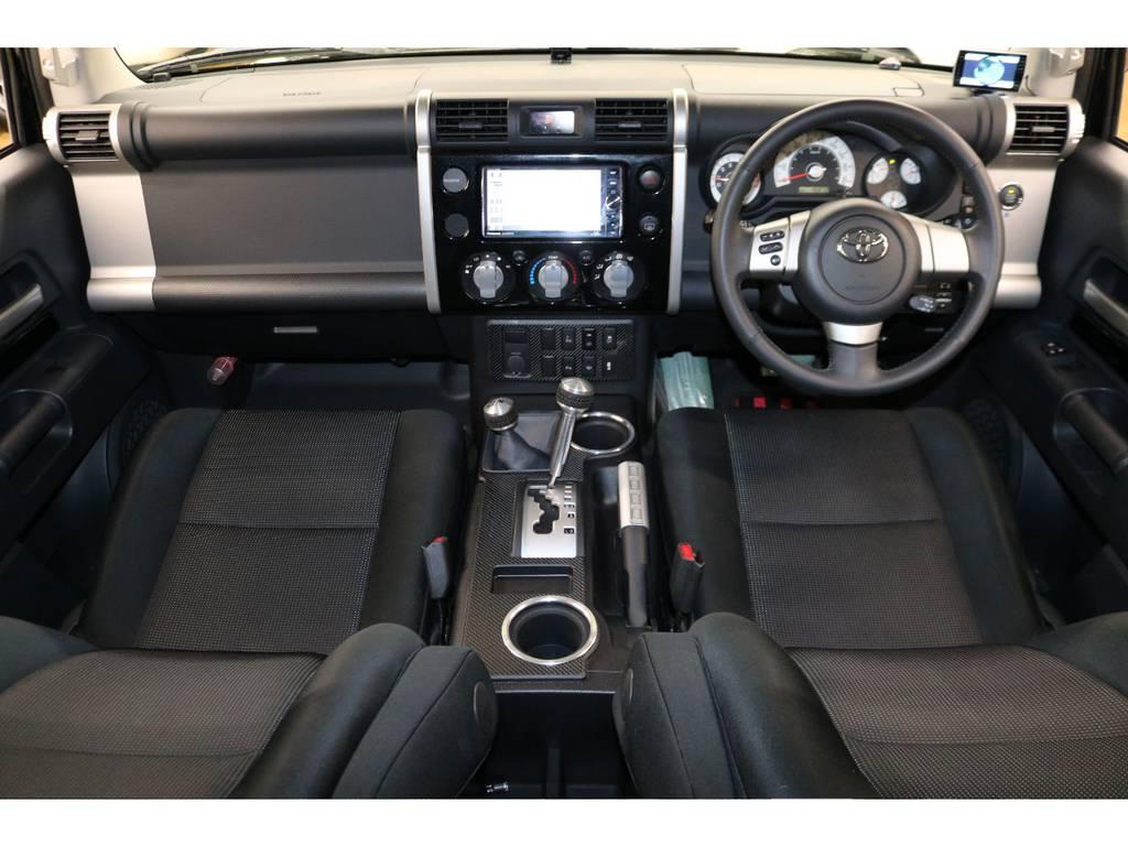 内装は当店にてルームクリーニング済みとなりますので綺麗な状態です♪ | トヨタ FJクルーザー 4.0 カラーパッケージ 4WD