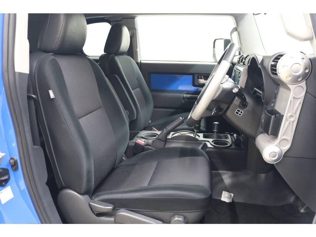 運転席/助手席共に綺麗な状態が保たれております♪ | トヨタ FJクルーザー 4.0 カラーパッケージ 4WD