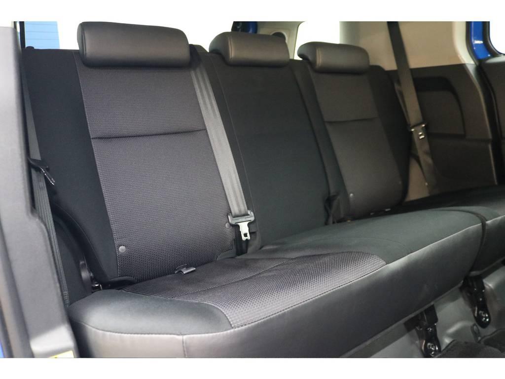 後部座席になります☆ | トヨタ FJクルーザー 4.0 カラーパッケージ 4WD