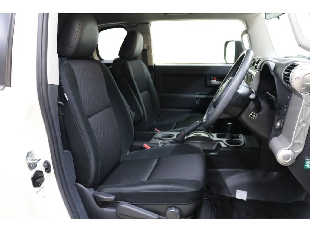 運転席/助手席共に綺麗な状態が保たれております♪ | トヨタ FJクルーザー 4.0 4WD トレイル仕様 2インチUP
