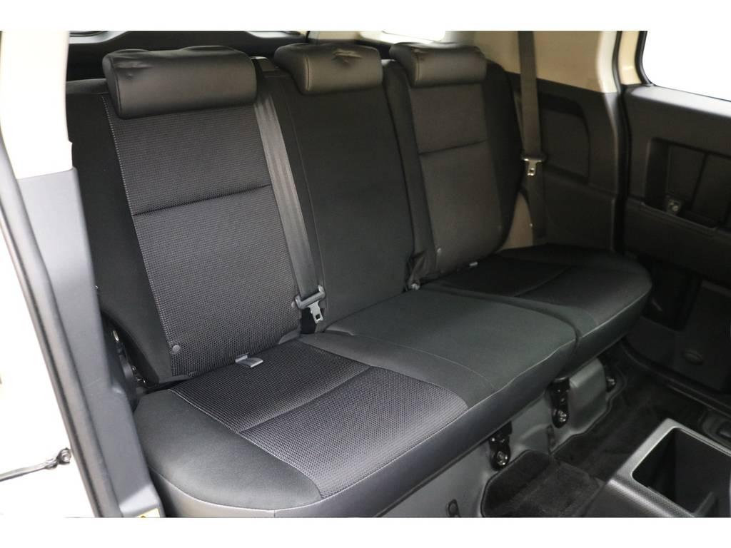 後部座席になります☆ | トヨタ FJクルーザー 4.0 4WD トレイル仕様 2インチUP