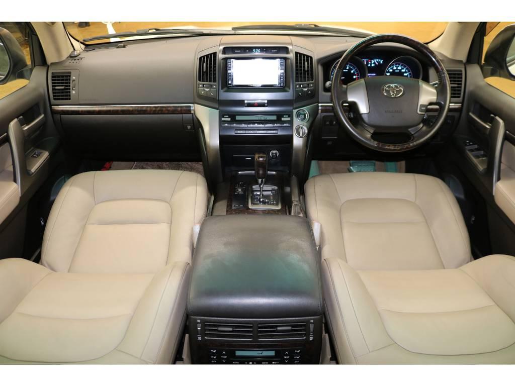 内装は当店にてルームクリーニング済みとなりますので綺麗な状態です♪ | トヨタ ランドクルーザー200 4.7 AX Gセレクション 4WD
