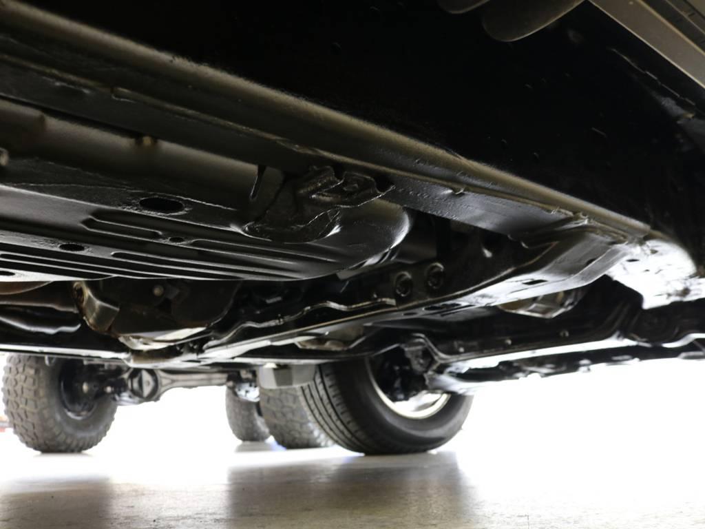 下廻りの状態は良好です♪ | トヨタ ランドクルーザー200 4.7 AX Gセレクション 4WD