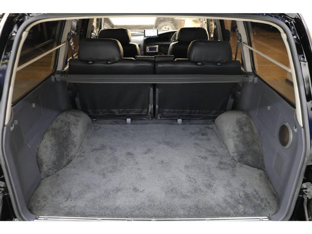 ラゲッジルームは広々と荷物がたくさん積めます♪ | トヨタ ランドクルーザー80 4.2 VXリミテッド ディーゼルターボ 4WD