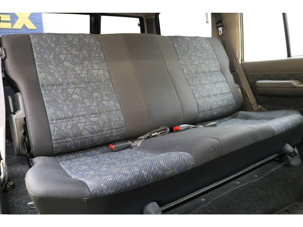 後部座席の状態も良好です♪ | トヨタ ランドクルーザー70 4.2 ZX ディーゼル 4WD
