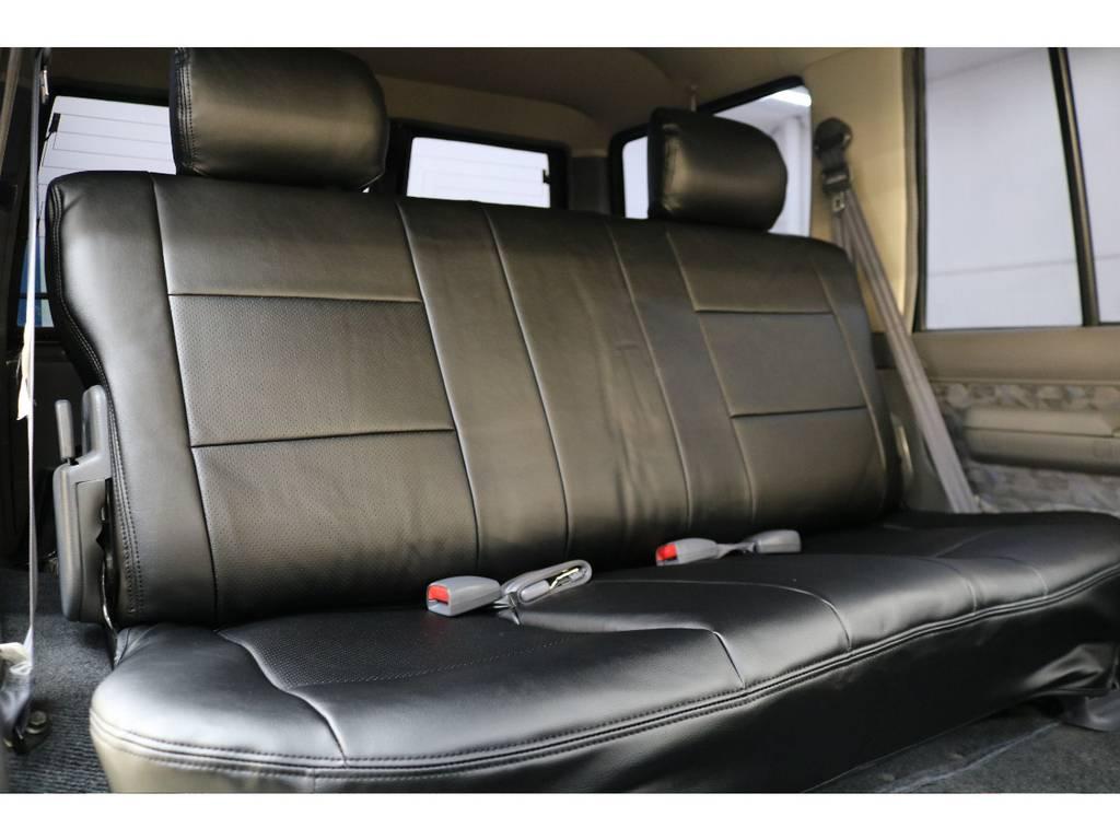 後部座席になります☆   トヨタ ランドクルーザー70 4.2 ZX ディーゼル 4WD