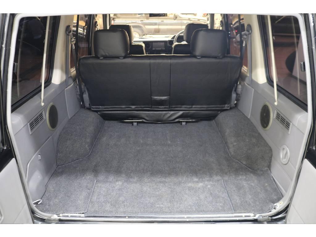 ラゲッジルームは広々と荷物がたくさん積めます♪   トヨタ ランドクルーザー70 4.2 ZX ディーゼル 4WD