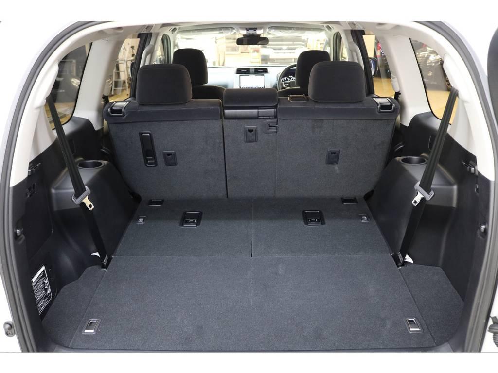ラゲッジルームは広々と荷物がたくさん積めます♪キャンプや家族旅行にはもってこいですね♪   トヨタ ランドクルーザープラド 2.8 TX ディーゼルターボ 4WD 7人