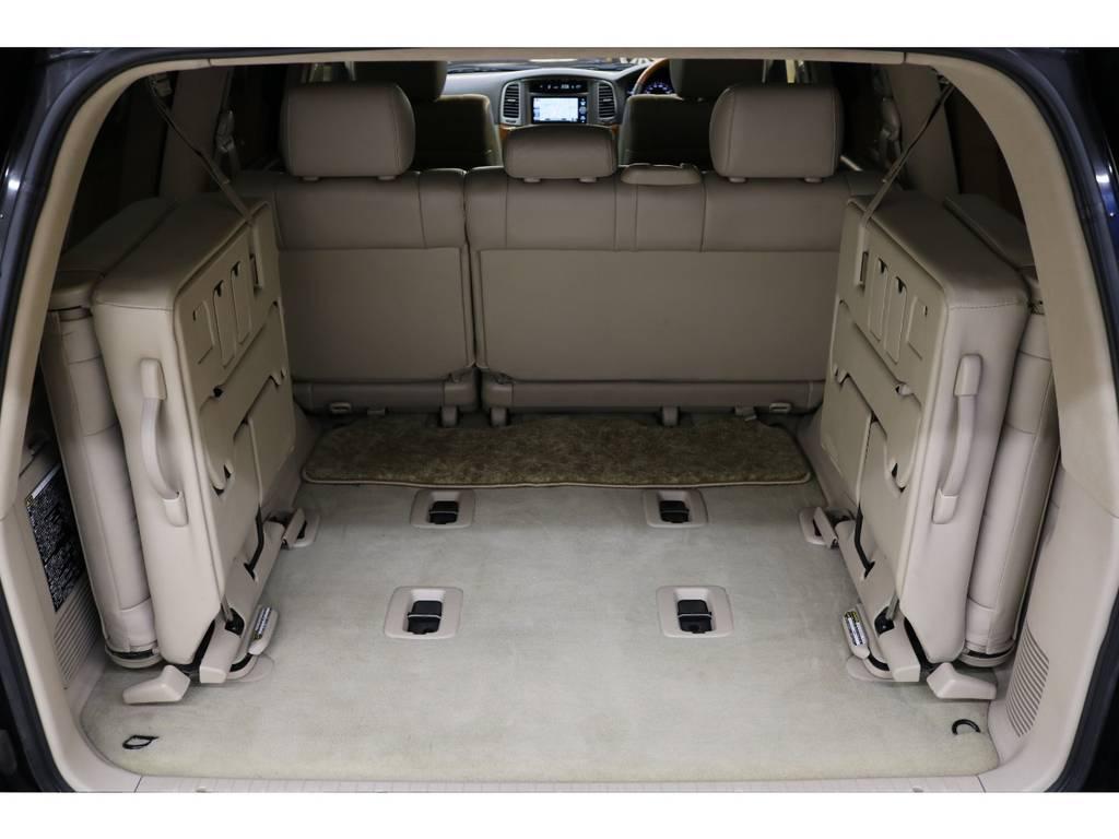 3列目シートは跳ね上げ式となりますので荷室も確保出来ます♪ | トヨタ ランドクルーザーシグナス 4.7 4WD