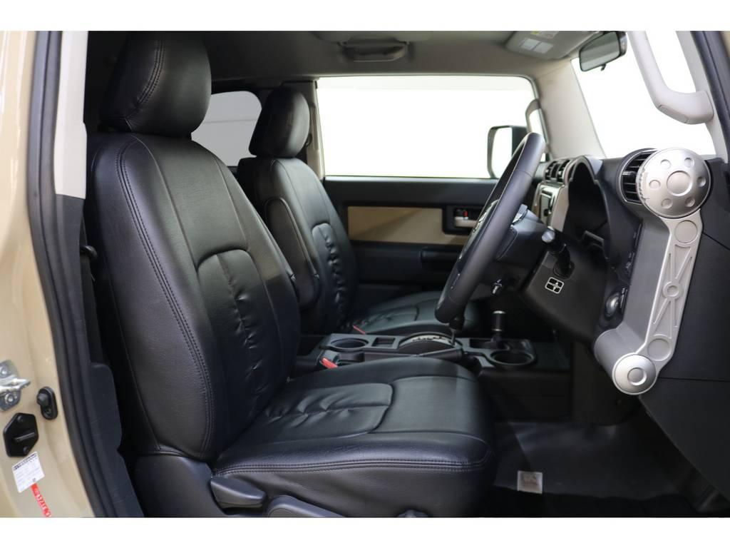 シートカバー装着済みです♪ | トヨタ FJクルーザー 4.0 カラーパッケージ 4WD トレイル仕様