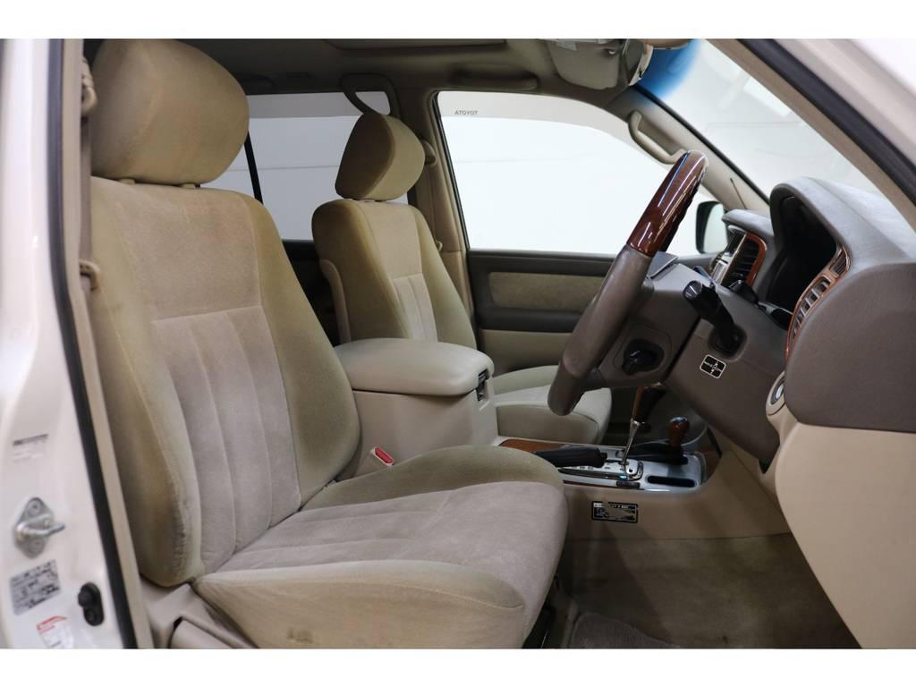 運転席/助手席ともに綺麗な状態が保たれております♪ | トヨタ ランドクルーザー100 4.7 VXリミテッド 4WD