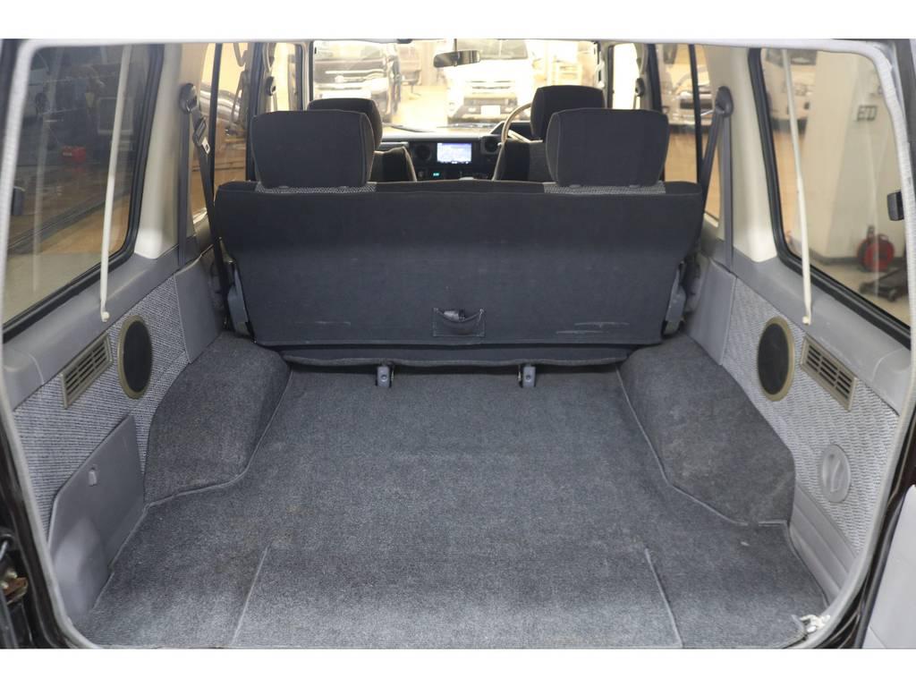 ラゲッジルームは広々と荷物がたくさん積めます♪ | トヨタ ランドクルーザー70 4.2 ZX ディーゼル 4WD