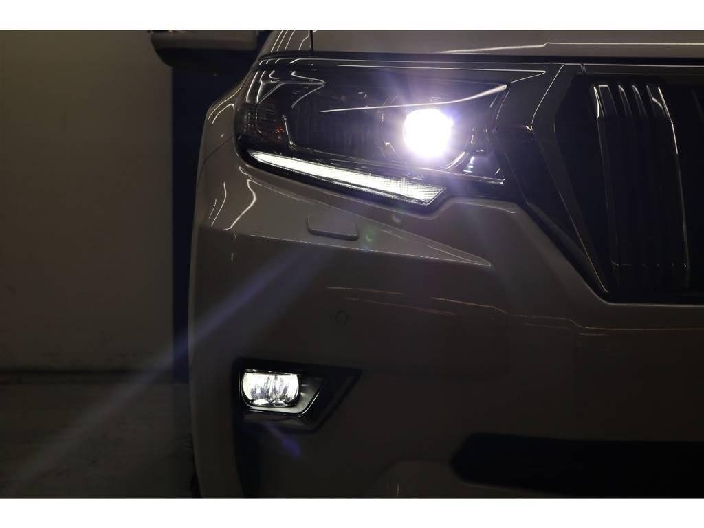LEDヘッドランプ&LEDフォグランプ☆ | トヨタ ランドクルーザープラド 2.8 TX ディーゼルターボ 4WD 7人 試乗車
