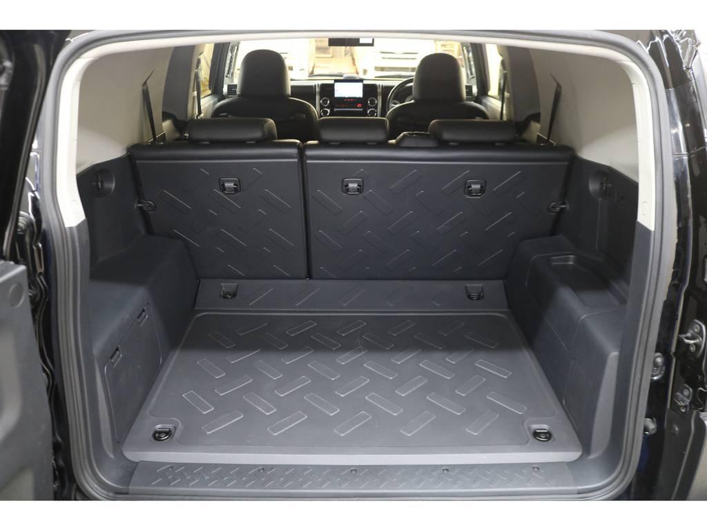 ラゲッジルームは広々と荷物がたくさん積めます♪ | トヨタ FJクルーザー 4.0 ブラックカラーパッケージ 4WD