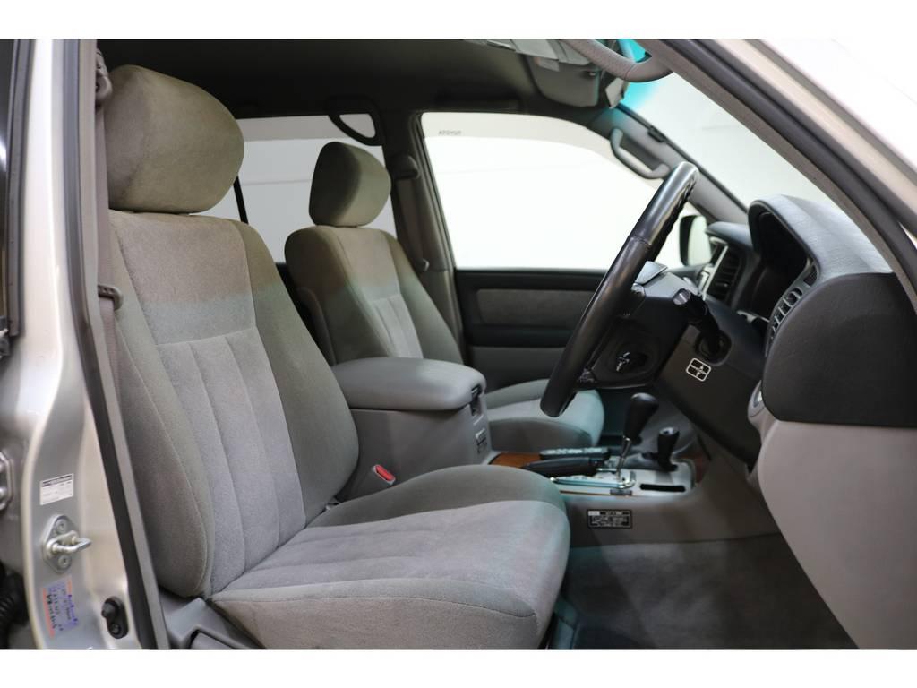 運転席/助手席共に綺麗な状態が保たれております♪