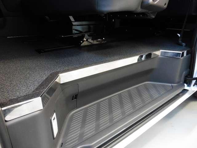 床張り施工済みでお掃除、お手入れも簡単楽々です! | トヨタ ハイエースバン 2.7 スーパーGL ワイド ロング ミドルルーフ 10人乗り