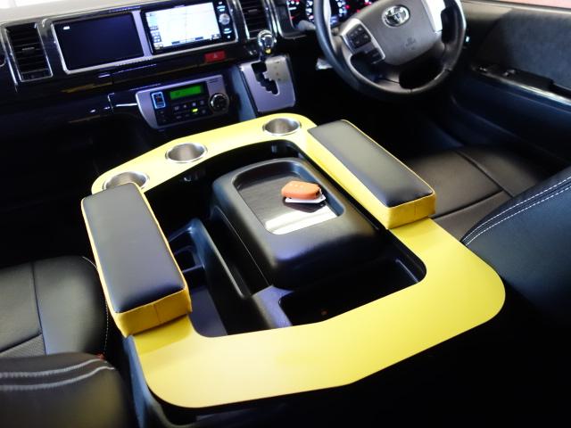 社外センターコンソールKIT装備!! | トヨタ ハイエース 2.7 GL ロング ミドルルーフ 試乗車