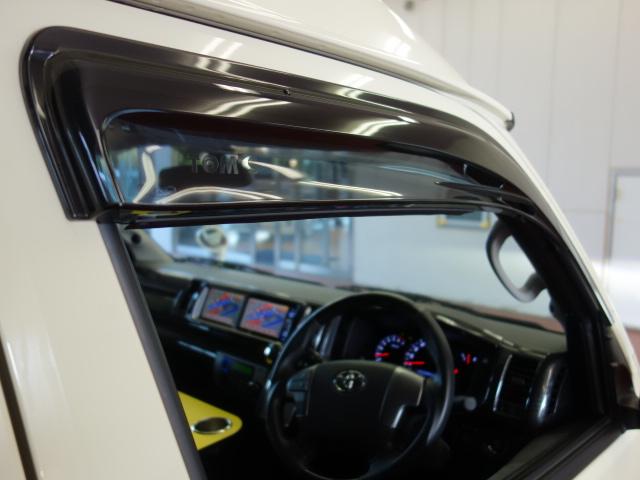 トムス製サイドバイザー装着済み!! | トヨタ ハイエース 2.7 GL ロング ミドルルーフ 試乗車
