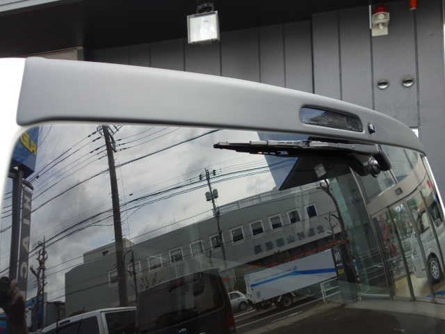 ESSEX製リアウイング装着済み!! | トヨタ ハイエースバン 2.0 DX ロング スポーツパッケージTSS付