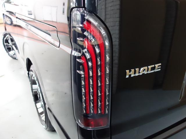 煌きテールレッドバー装着済み!!   トヨタ ハイエース 2.7 GL ロング ミドルルーフ 4WD