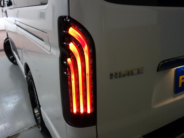 新車ハイエースVダークプライムⅡ2800ディーゼル4WDナビパッケージ完成致しました!!店頭在庫車、即納車可能になります!!