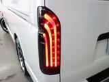 30年式ハイエースバンS-GL2000ガソリンツインナビパッケージカスタム多数入庫致しました!!