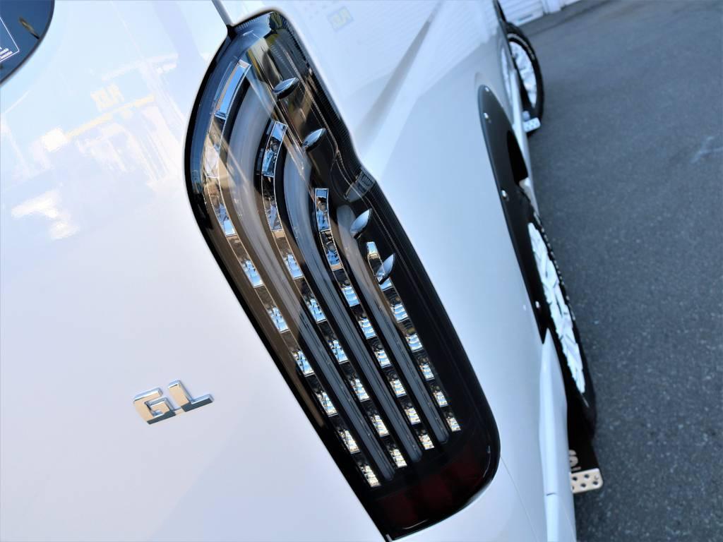 FLEXオリジナル【煌きブラック】LEDテールランプ!   トヨタ ハイエース 2.7 GL ロング ミドルルーフ 4WD Wild STYLE WAGON