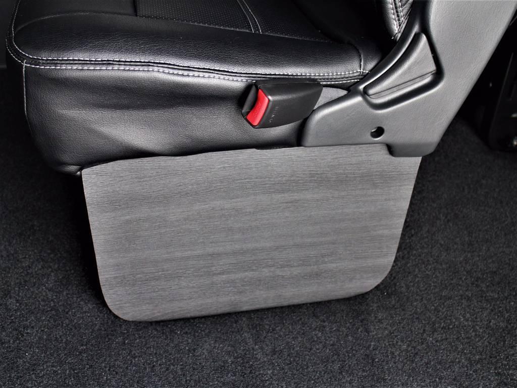 フットパネル装着!! | トヨタ ハイエース 2.7 GL ロング ミドルルーフ 4WD サイドオーニング