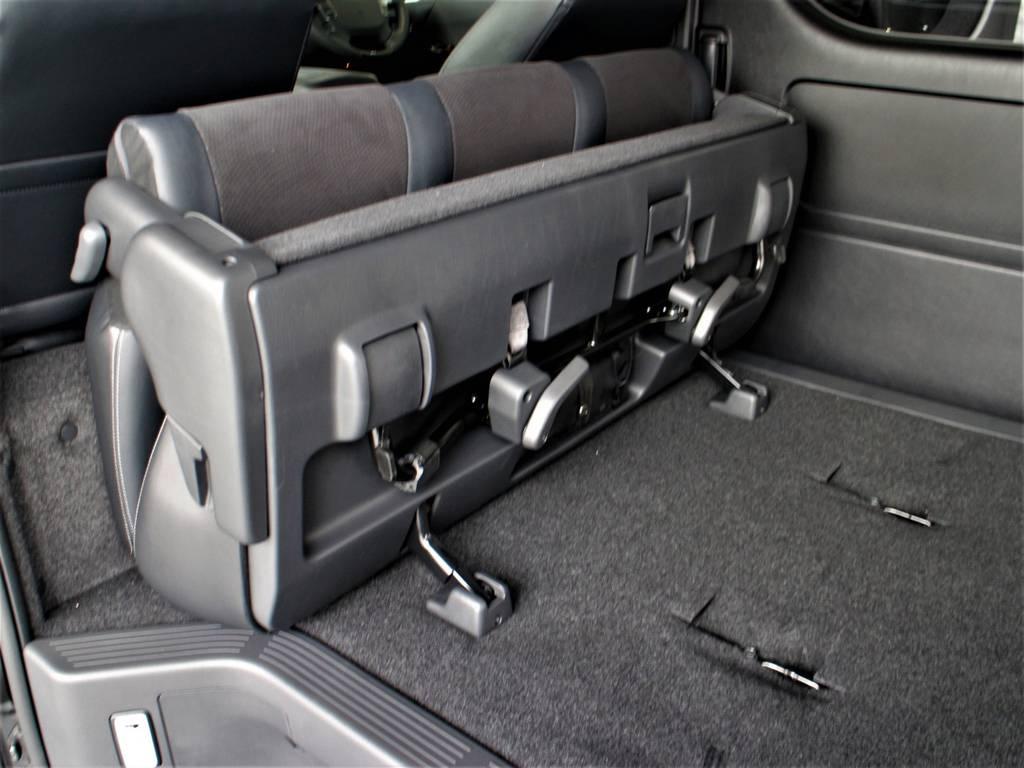 セカンドシートは折りたたみ可能です! | トヨタ ハイエースバン 2.8 スーパーGL ワイド ロング ミドルルーフ ディーゼルターボ 新型 ダークプライム
