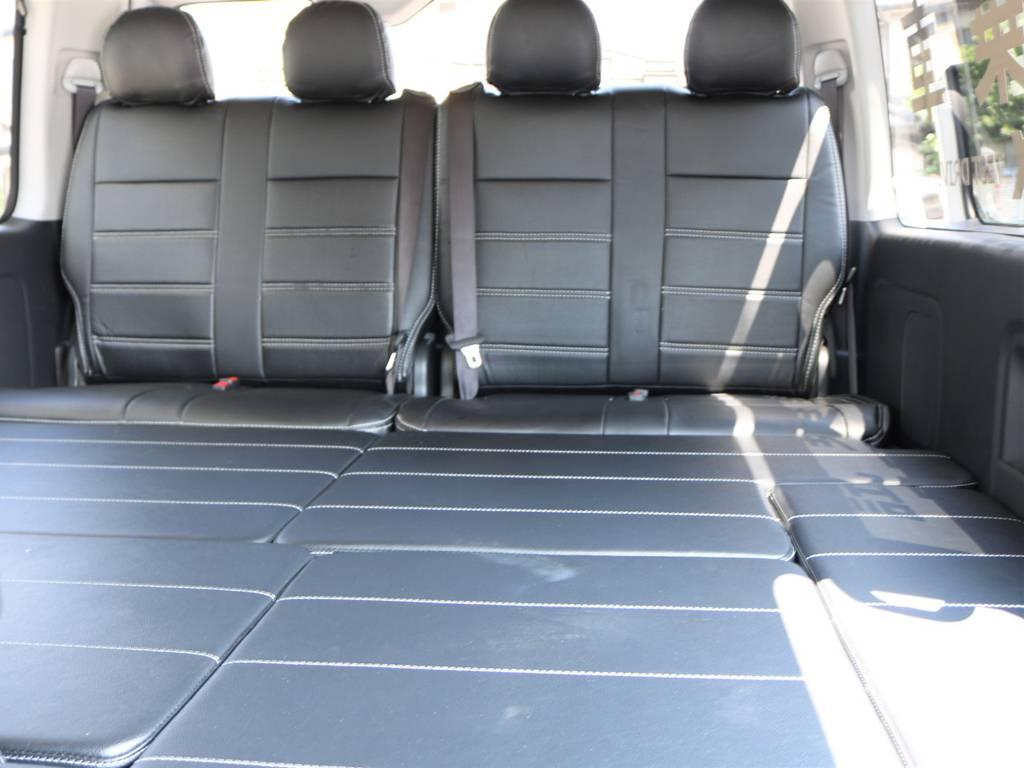 試乗車ならベッドの広さを充分に体感することが出来ます! | トヨタ ハイエース 2.7 GL ロング ミドルルーフ 新型 TSS 試乗車