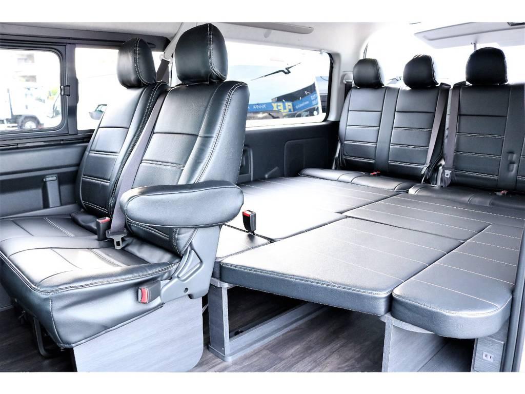 大人の方でもゆったりと寝転ぶことが可能なベッドキット付きです! | トヨタ ハイエース 2.7 GL ロング ミドルルーフ 新型 TSS 試乗車